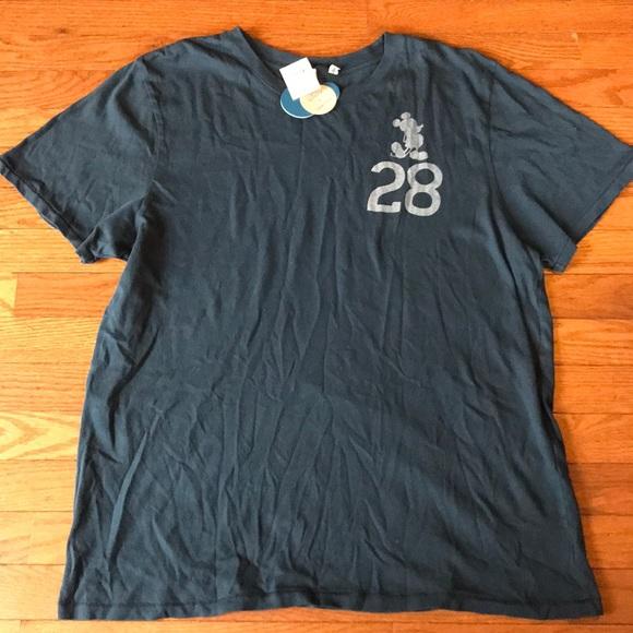 ed98a8124 Disney x Junk Food Mickey Mouse 28 Shirt Sz Large